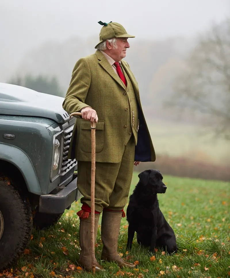 Country suit, breeks, land rover, bespoke, country photo, estate, tweed