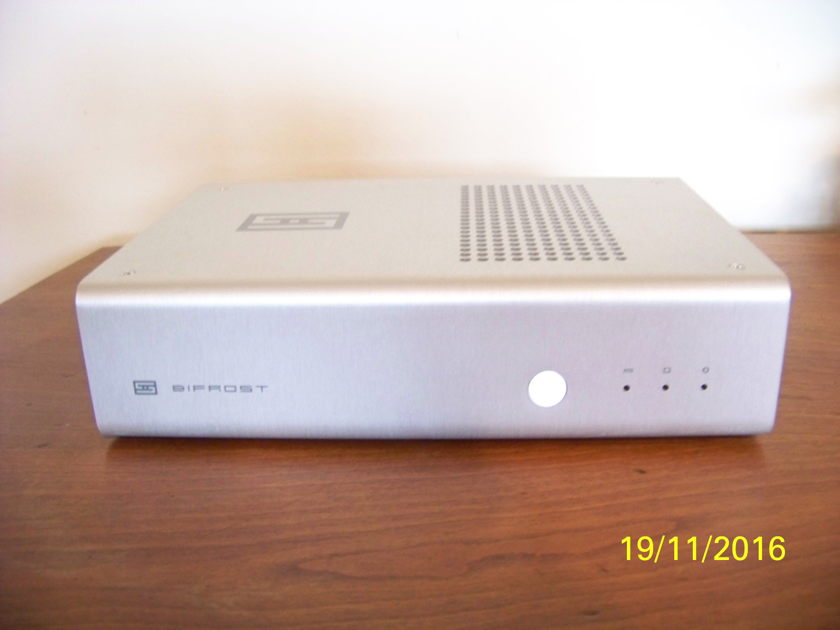 Schiit Audio  Bifrost 4490 version  Dac Excellent condition