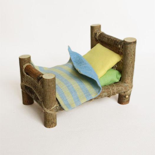 """Кроватка деревянная с постельным бельем """"Солнечный луч"""""""