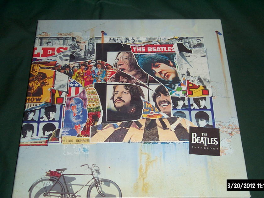 The Beatles - Anthology  Laserdisc Box Set 8 Discs NM