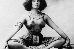 Famous Bis: Colette