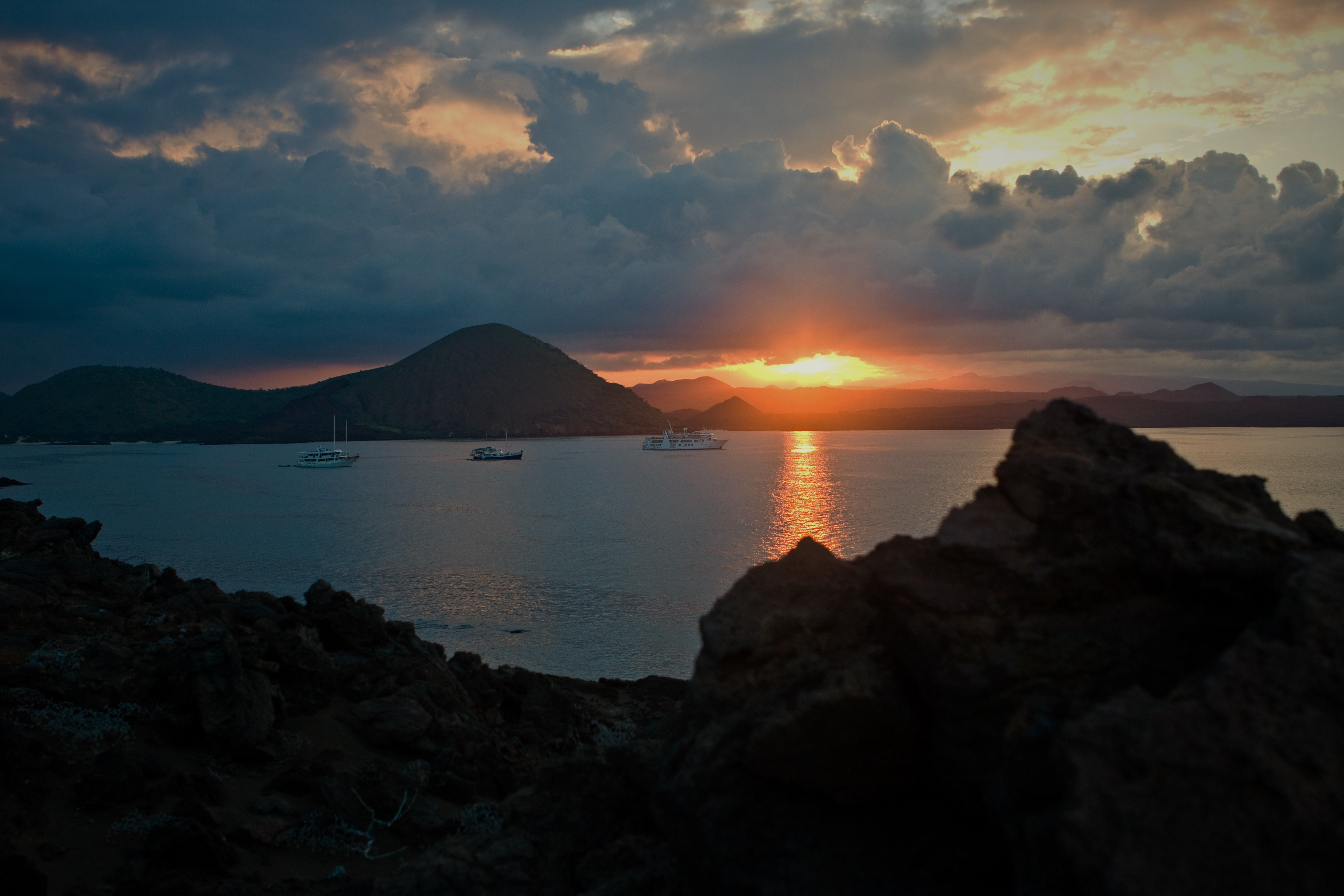 Sunset-Galapagos.jpg