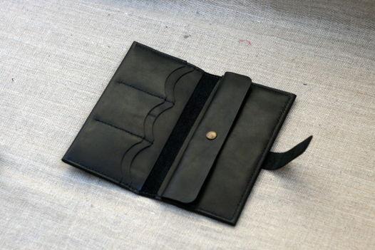 """Чёрное портмоне из натуральной кожи, модель """"EXP"""""""