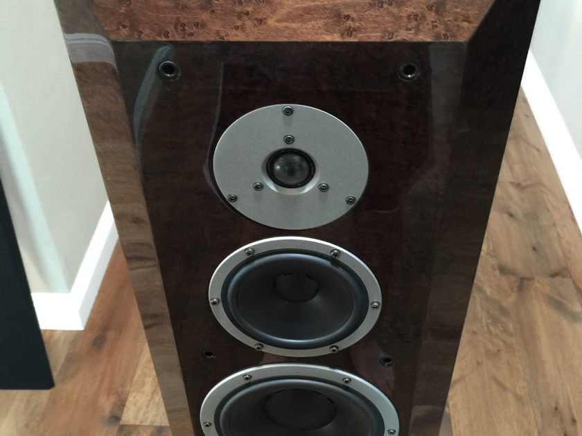 Dynaudio Sapphire Speakers (Mocca finish)