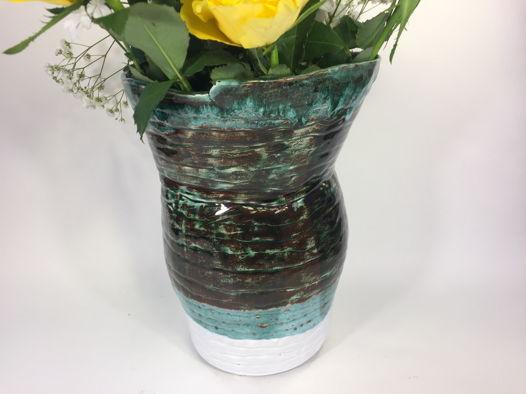 """Керамическая ваза ручной работы с широким горлом """"Медное озеро"""". Высота 22 см."""
