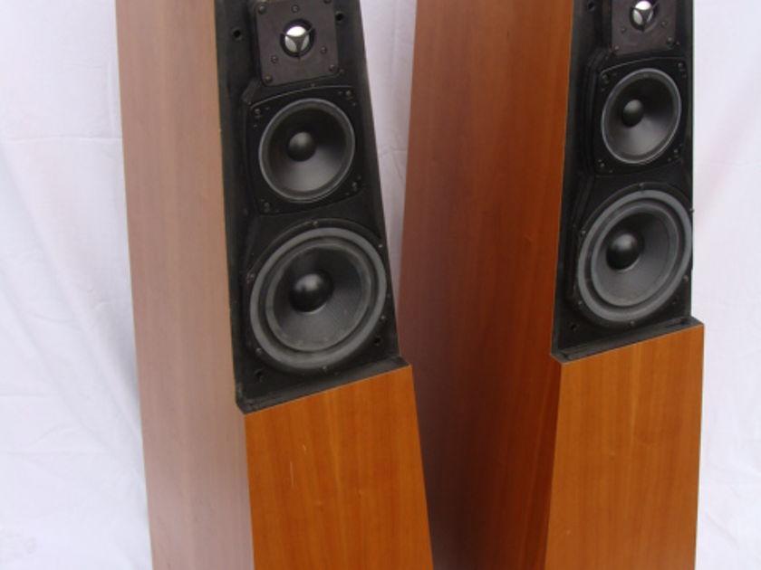 Vandersteen Quatro Wood Look & Sound Excellent!