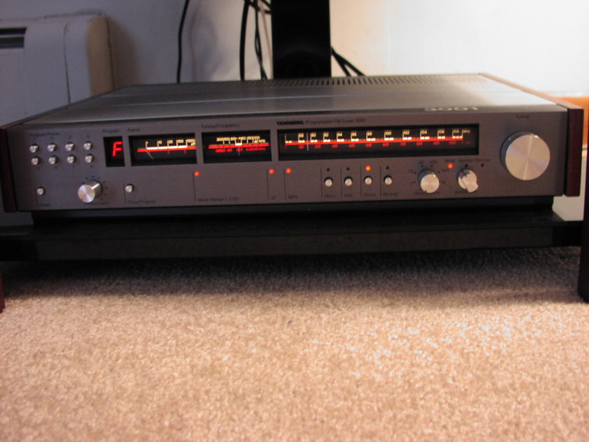 Tandberg TPT-3001 FM Tuner Completely Overhauled