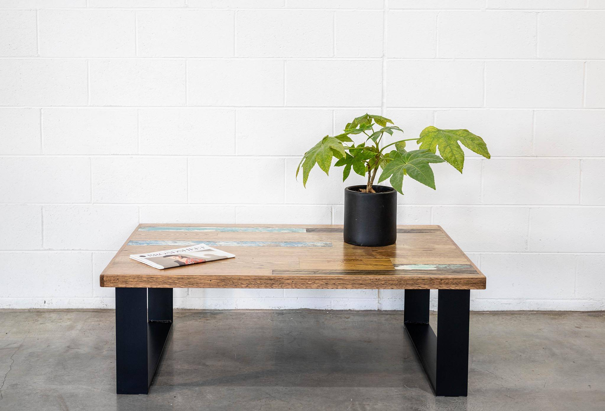 Coffee Table Scatter Top with Steel Legs