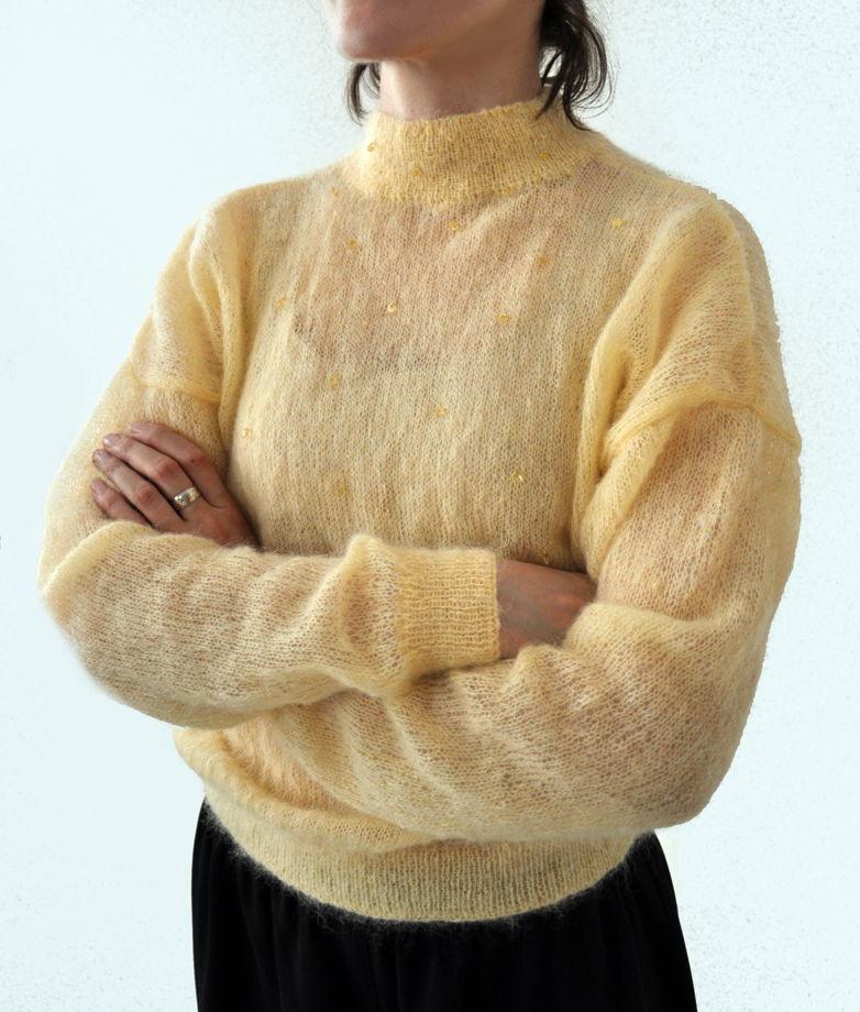 Мохеровый свитер ручной работы