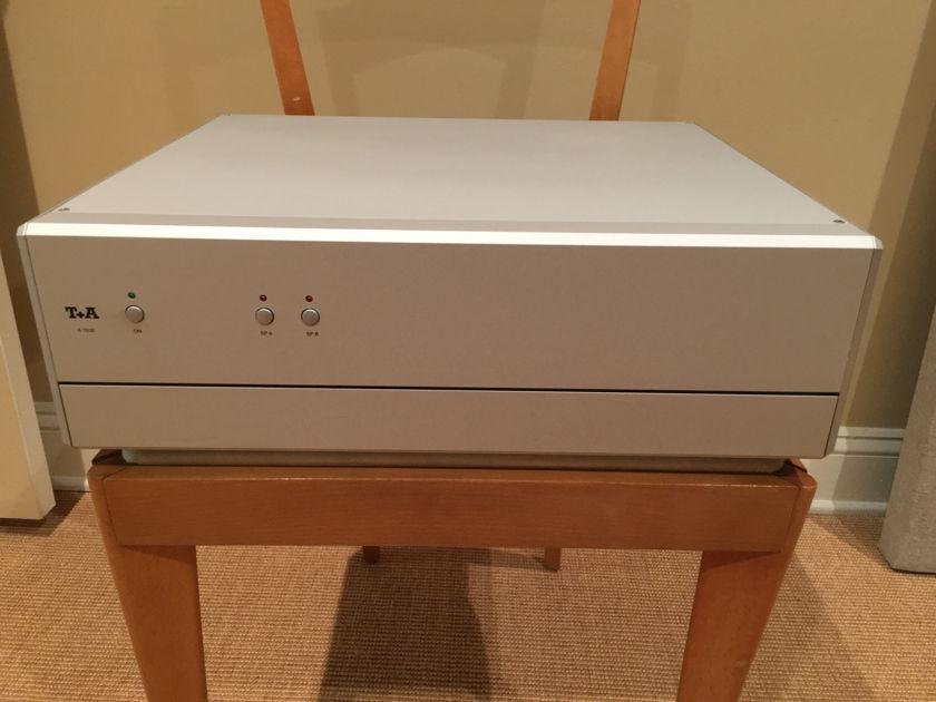 T+A Elektroakustik A 1530 Silver ** Price Reduced**