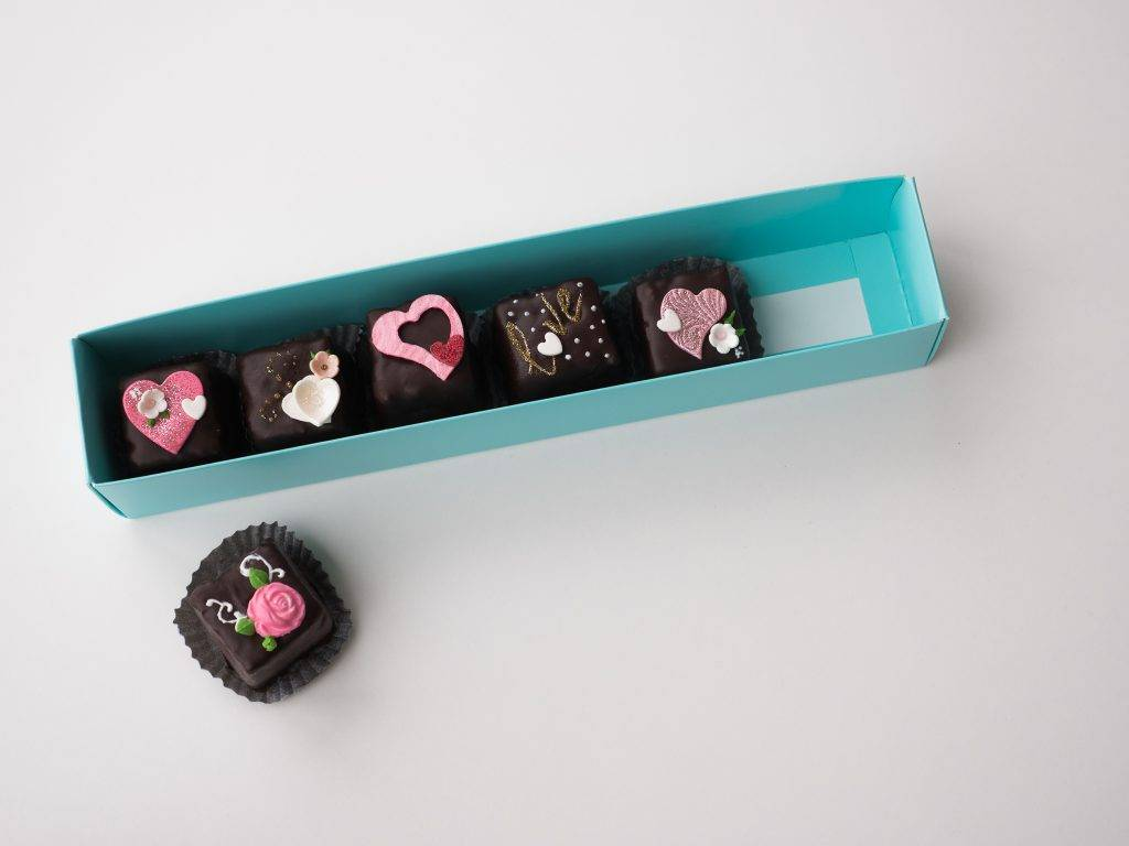 Valentine's Day chocolate mini desserts