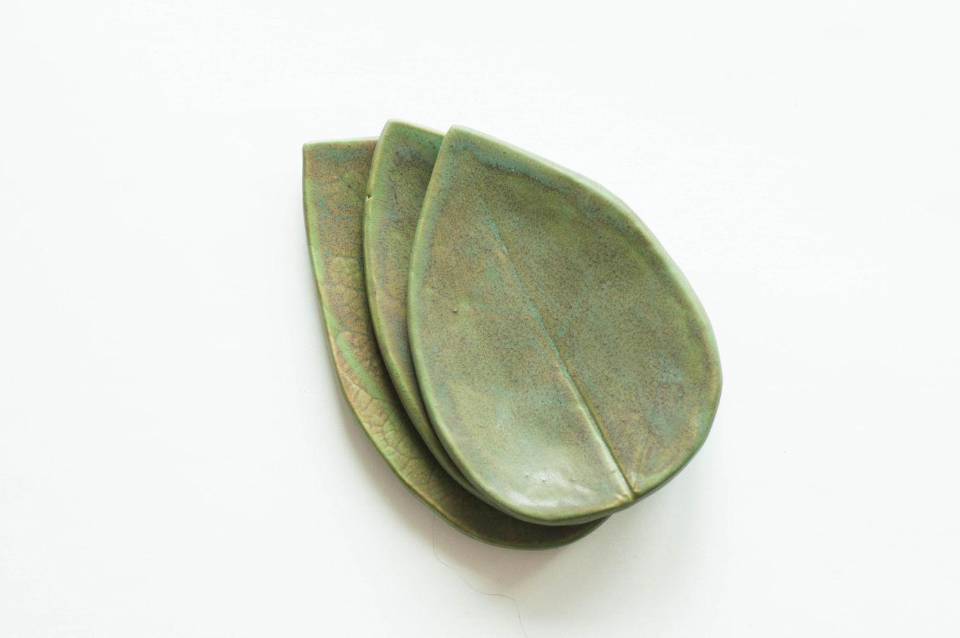 Лист керамический цвета мха