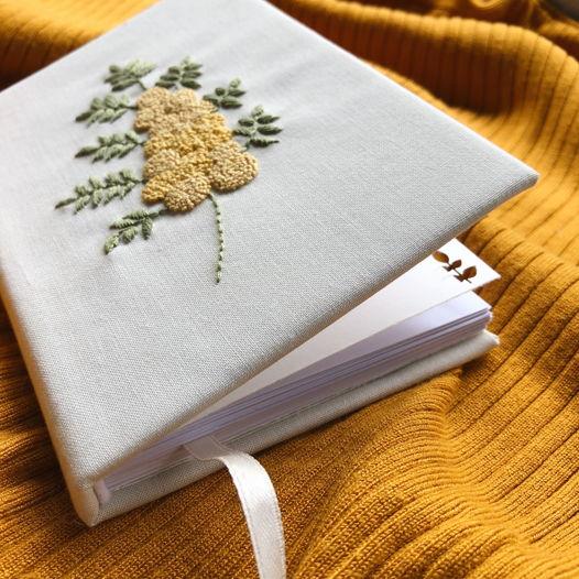 """Скетчбук ручной работы с вышивкой """"Мимоза"""", формат А6"""