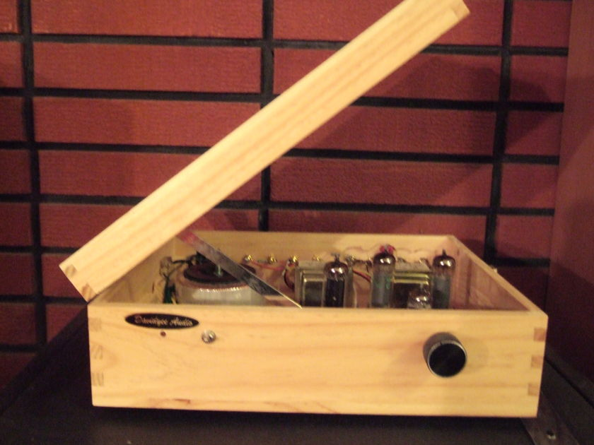David Yee Audio  Single Ended EL84 Integrated Tube Amplifier