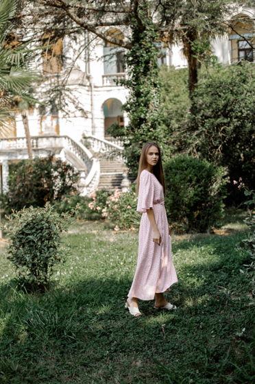 Платье миди с объемными с рукавами