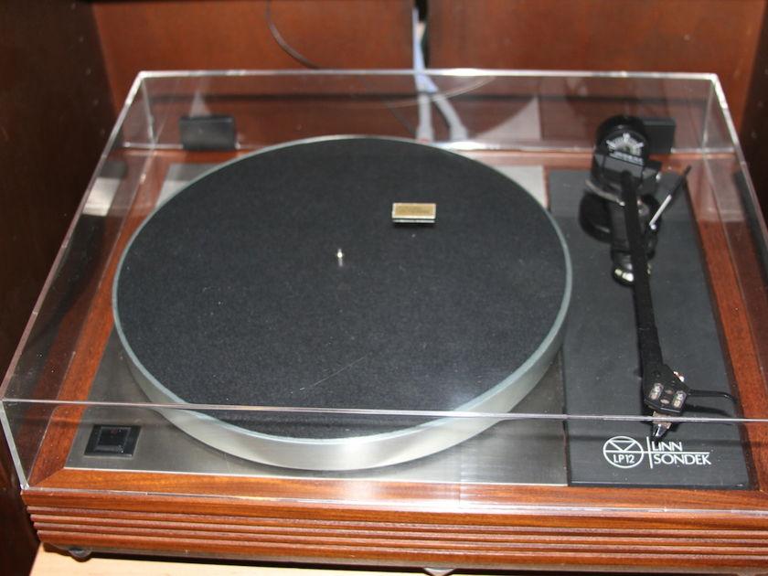 Linn Sondek LP12 w/Basik Plus Tonearm