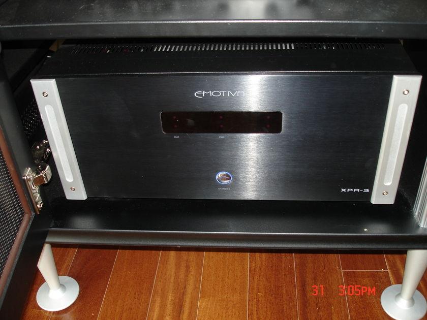 Emotiva  XPA-3 Ampifier