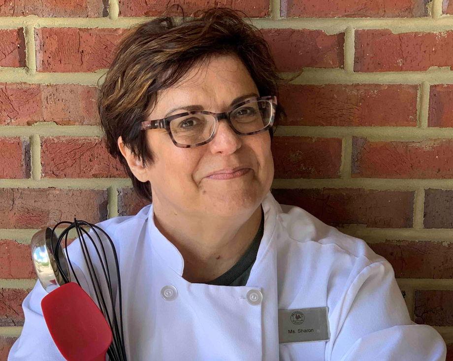 Miss Sharon , Chef