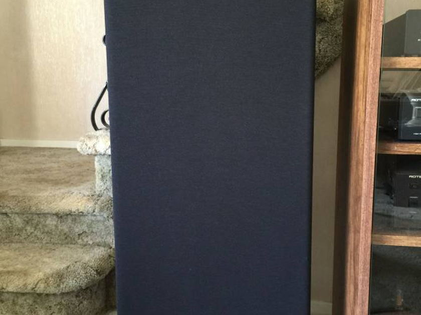 Vandersteen 2ci three-way floorstanding loudspeakers