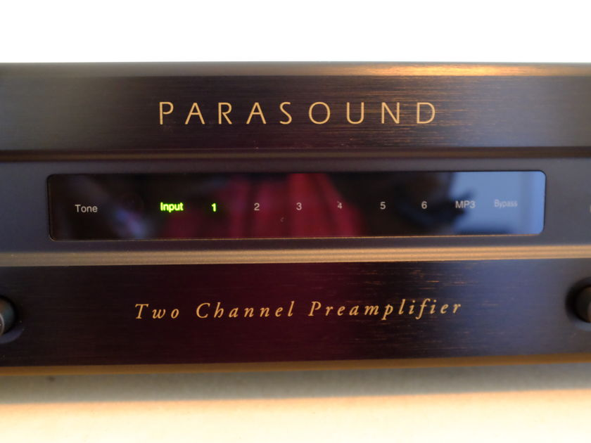 Parasound NewClassic Model 2100 High End Preamplifier
