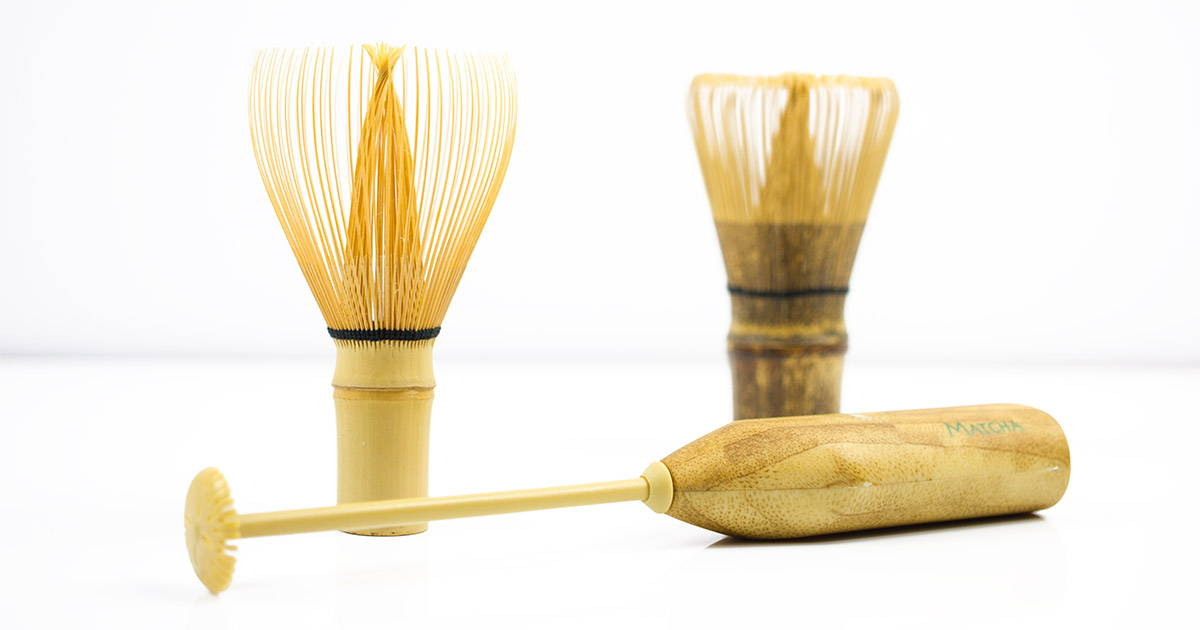 Electric bamboo whisk with authentic japanese whisk