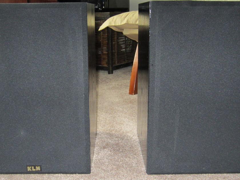 KLH 900B  1990's 3-WAY SPEAKERS