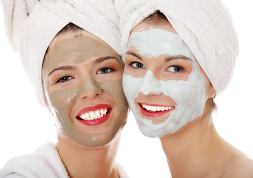 Face Mask 3 teaspoons of clay + 1 teaspoon of water / hydrolate + small amount of nutritional oil