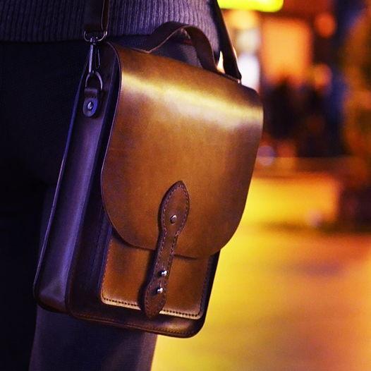 Cумка-планшет «Форт». Вместительная сумка для городских прогулок.