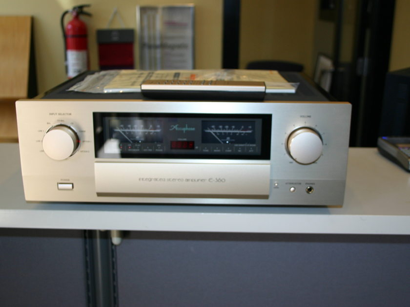 Accuphase E 360 Solid State Waltham Massachusetts