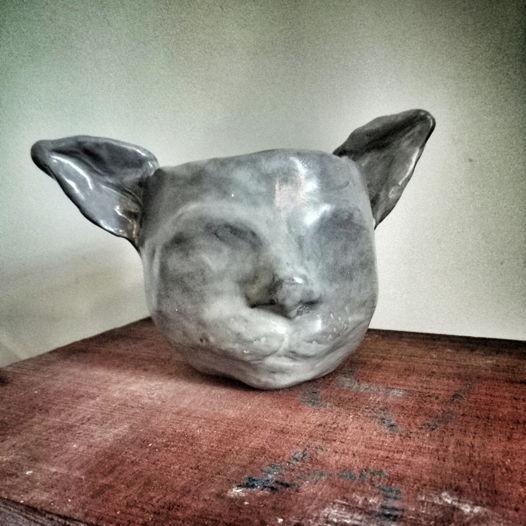 Котососуд, чашка/кашпо/ сосуд в форме головы гота серый