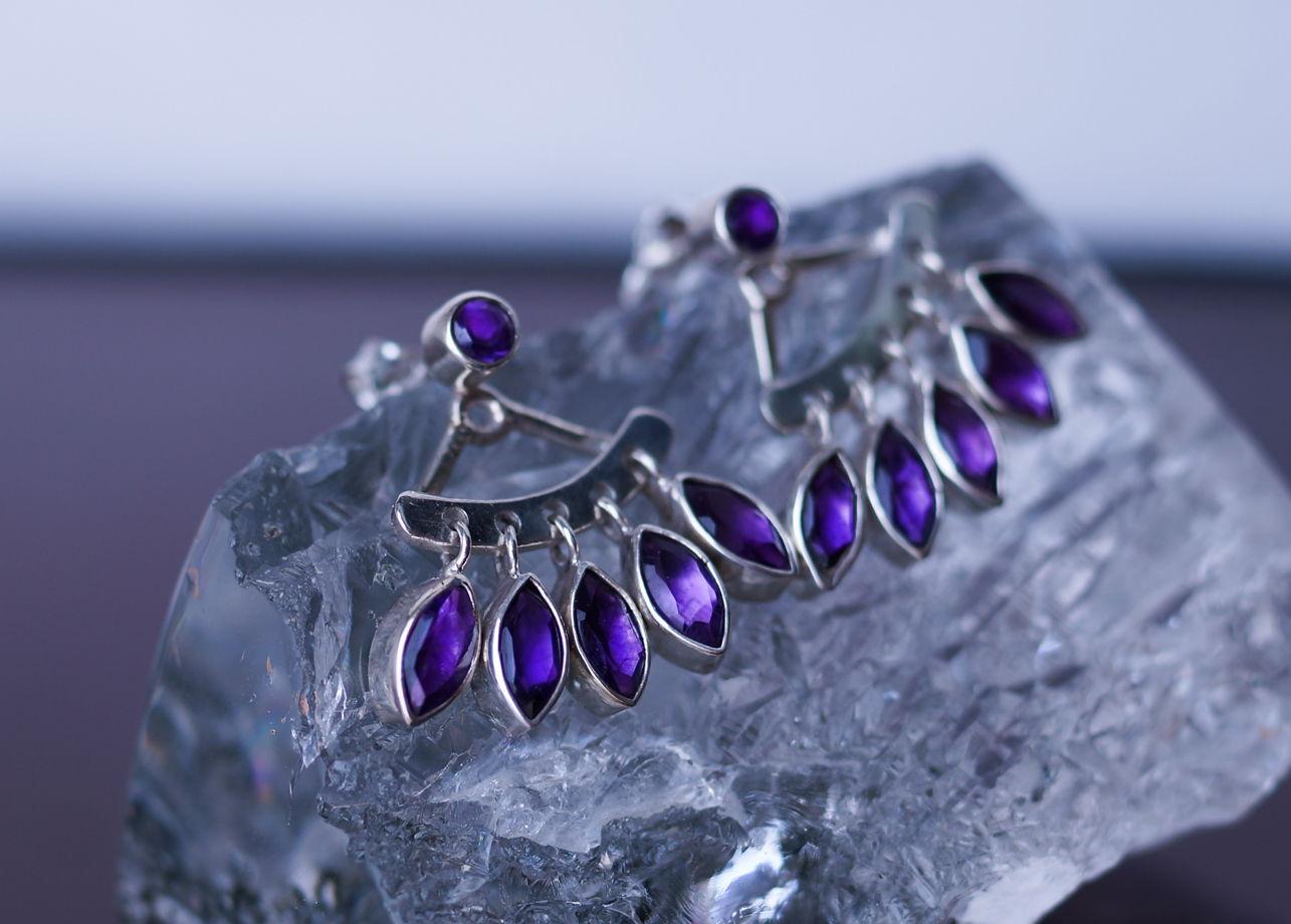 Двойные серьги-джекеты из серебра с ярким аметистом