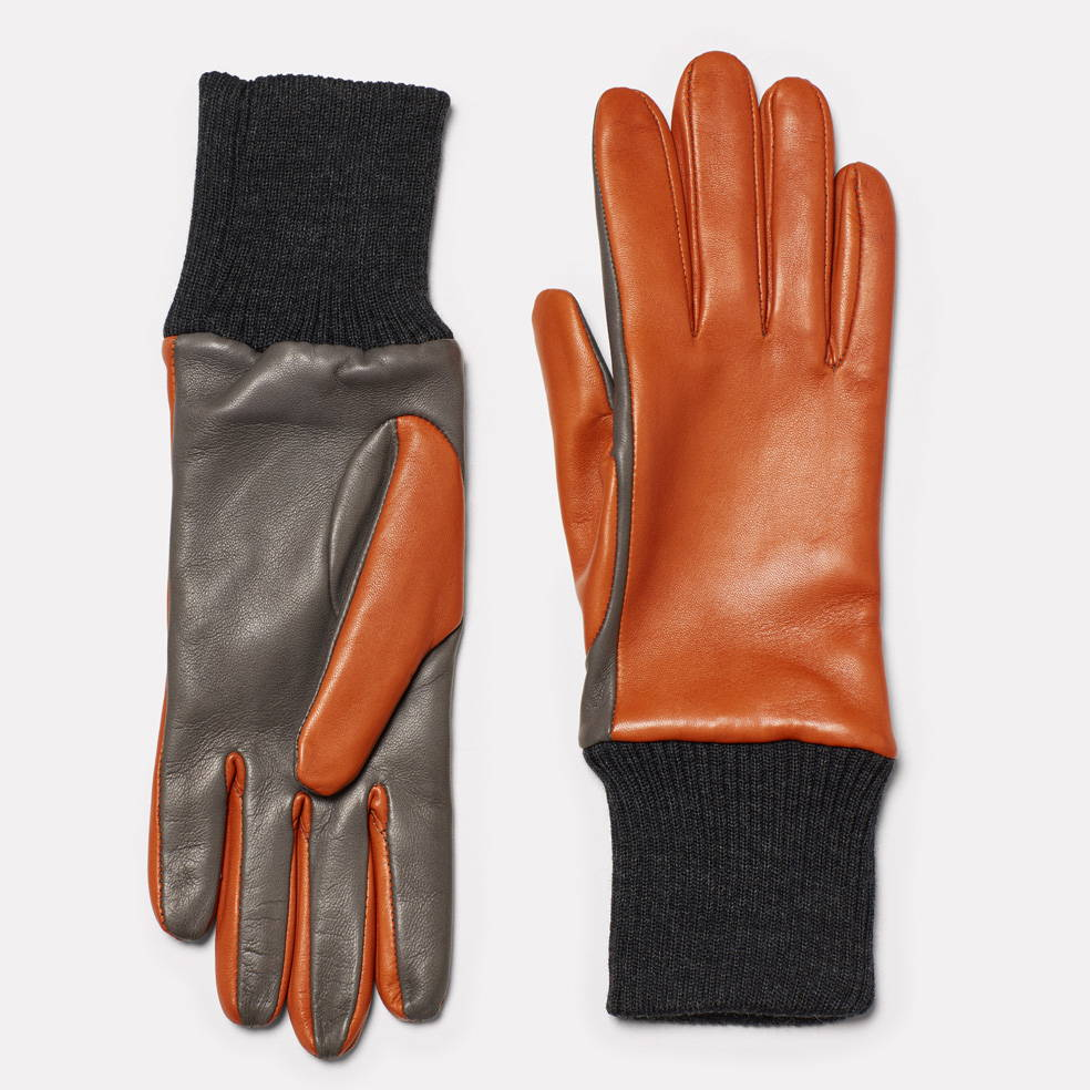 Gloves in Tan