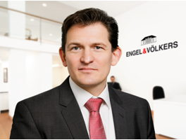 real-estate-agent-kai-apel-engelvoelkers-elbe
