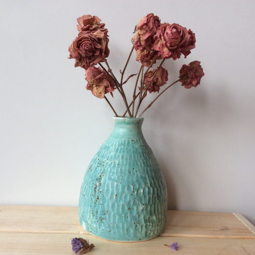 Бирюзовая ваза в крапинку