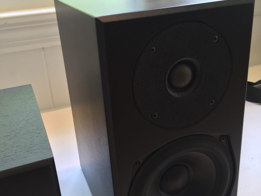 Totem  Mite pair + Mite T center 3.0 speaker system