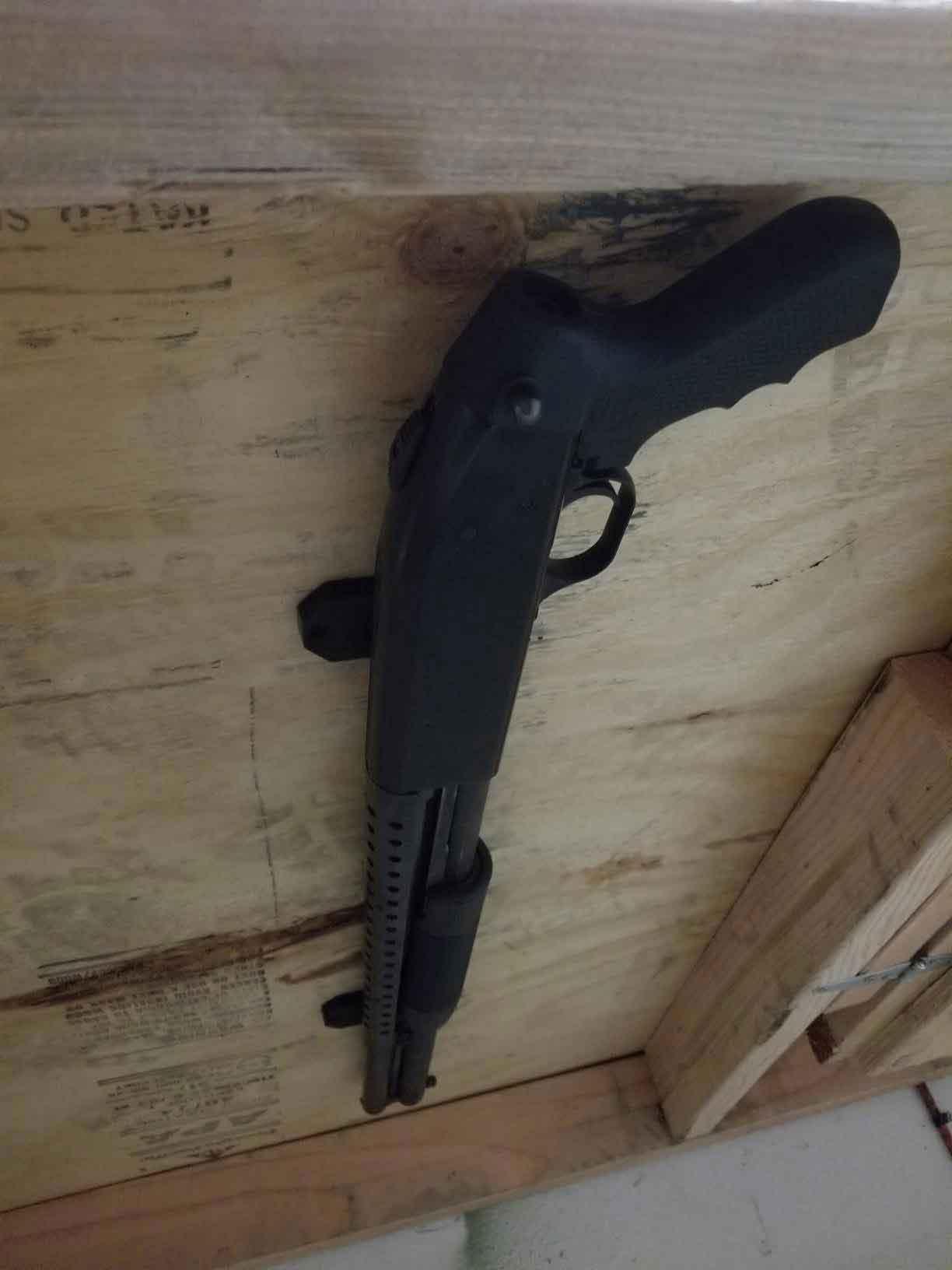 quick gun withdrawn under desk