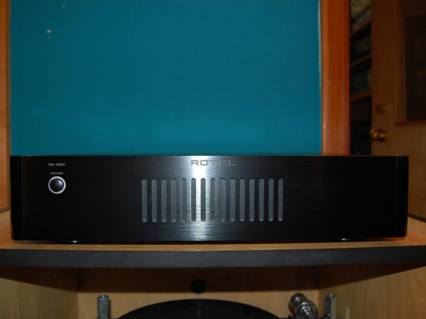 Rotel  RB-1562 Power Amp