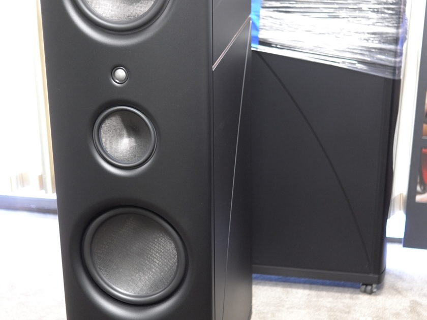 Magico Q7  in Excellent Condition