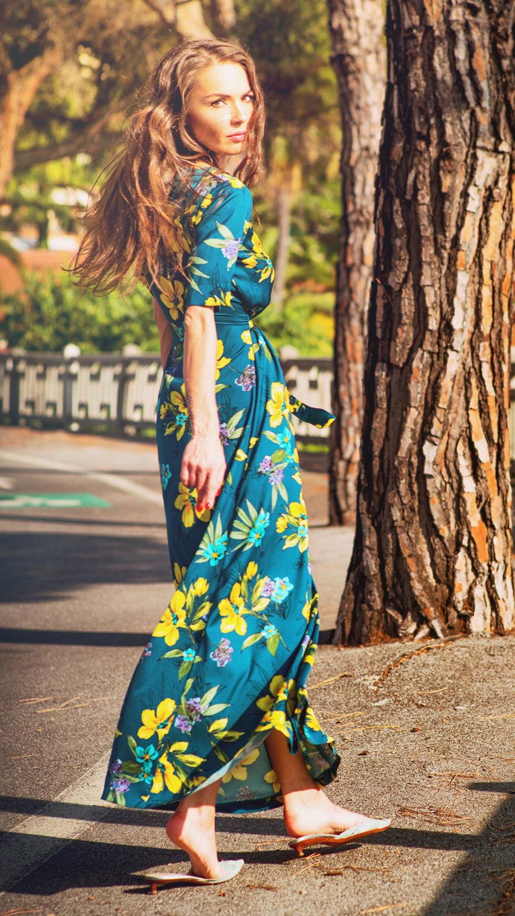 Платье-халат из шелка