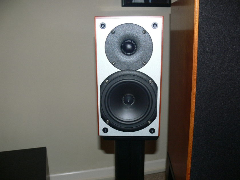 System Audio SA705 Monitor Speakers