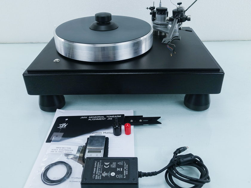 VPI  Classic 2 Belt Drive Turntable; Black Oak (9129)