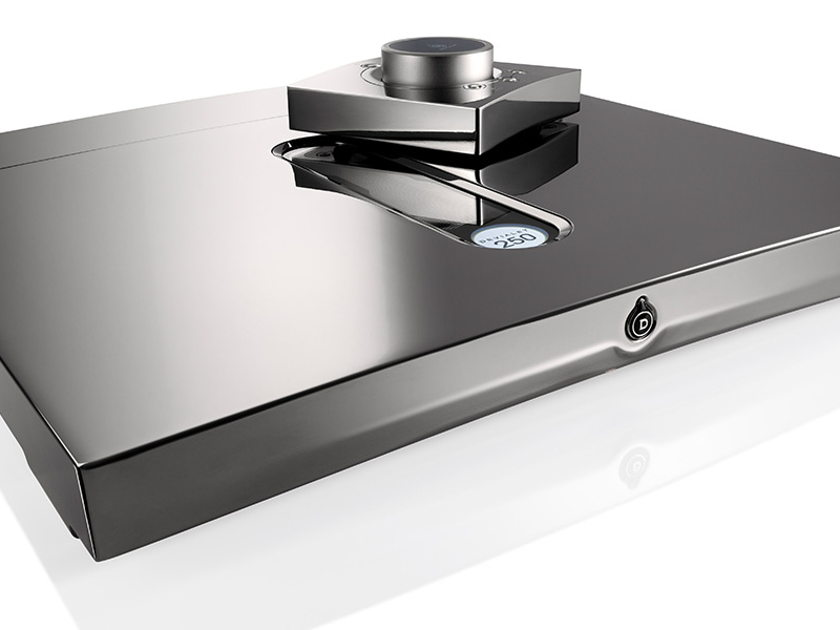 DEVIALET EXPERT WANTED any amp at good pricing