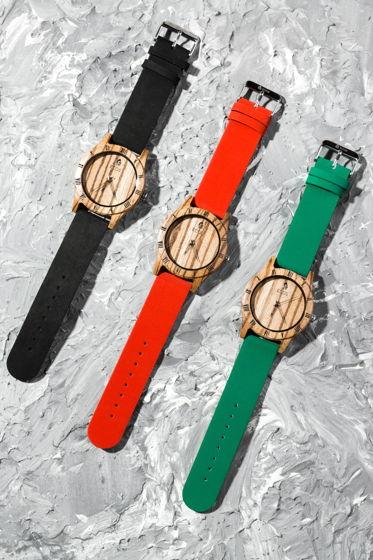 Часы из зебранового дерева с ремешком из кожи