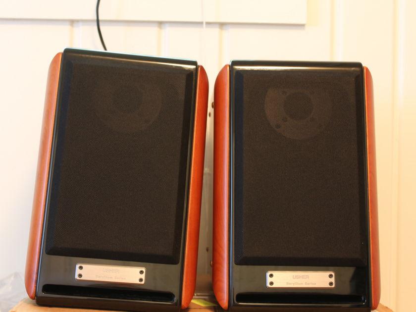 Usher Audio Technology Be-718 'tiny Dancer'