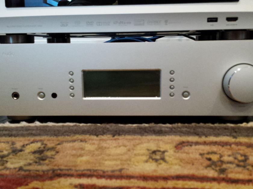 Cambridge Audio Azur 840e Preamplifier - Silver