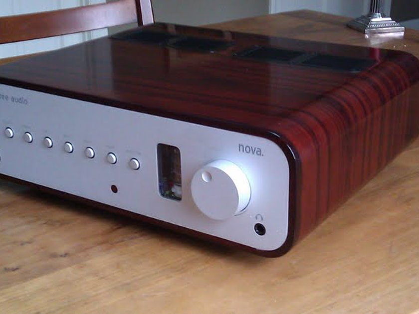 Peachtree Audio Nova