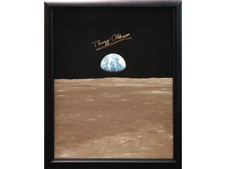 APOLLO 11 EARTHRISE SIGNED BY BUZZ ALDRIN