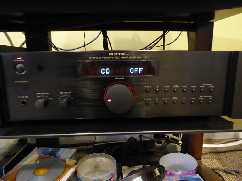 ROTEL RA 1070 INTEGRATED AMPLIFIER
