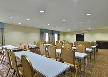 LaQuinta Inn & Suites meeting room