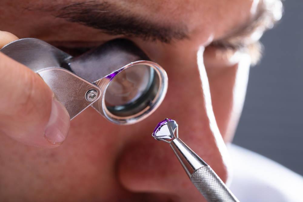 Hava professional check your diamond jewelry